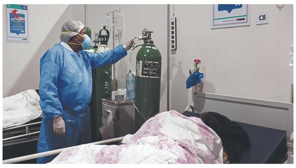 Falla en conexión que suministra insumo a decenas de pacientes con coronavirus pudo ser resuelta con balones y compresoras, aseguró el director del nosocomio César Acevedo.