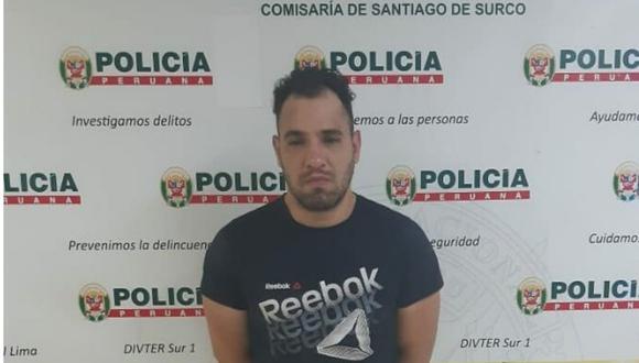 Edinson Jesús Romero Montiel (35) fue detenido por la Policía Nacional luego de agredir a su pareja en plena vía pública en Surco. (Foto: Mininter)
