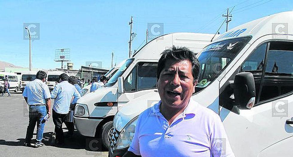 Dueños de miniván bloquearán vías principales de Arequipa