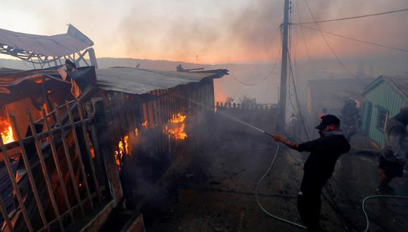 Incendios forestales en Valparaíso Chile. Fotos: EFE