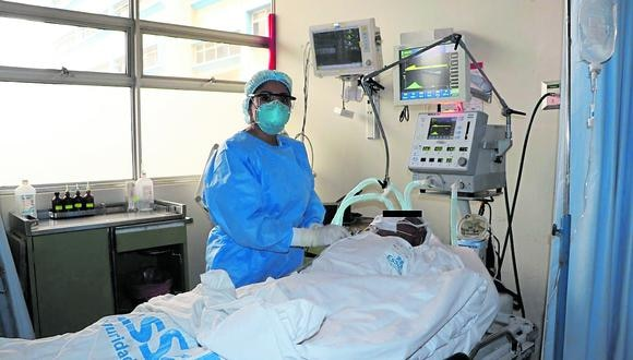 Ingresó al hospital con una saturación de oxígeno menor a 88% y falta de apetito, pero, personal de salud se empeñó en su cuidado y recuperación