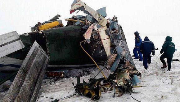Las primeras imágenes del avión que se estrelló cerca a Moscú con 71 personas (VIDEO)