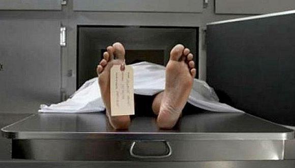 Hombre ebrio despierta en una morgue tras ser declarado muerto por error
