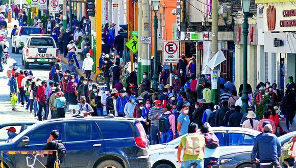 Diversos comercios se reactivan en Huancayo