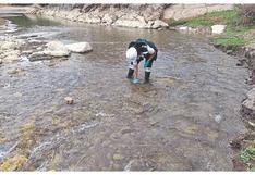 Evalúan agua de ríos Tumbes y Zarumilla