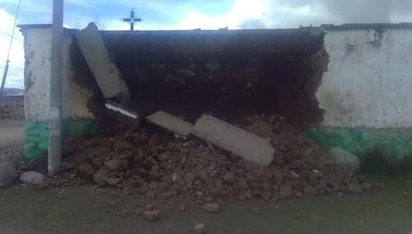 El derrumbe felizmente no afectó a los nichos del cementerio. (Foto: Juan Choquetocro)