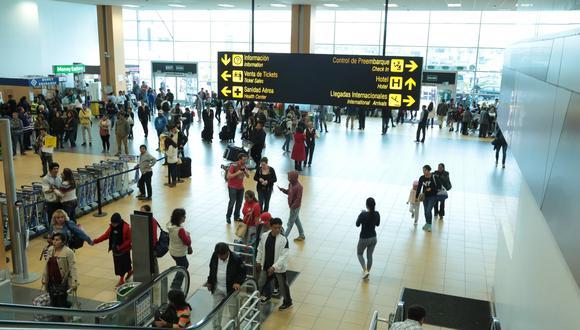 Carlos Lozada indicó que se está evaluando realizar un plan piloto en Cusco, donde se abrirían rutas internacionales con dirección a Bolivia, Chile y Colombia. (Foto: GEC)