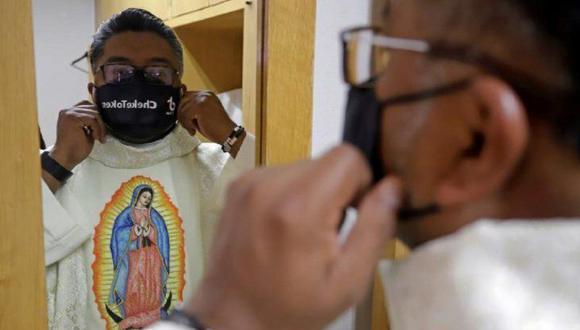 Padre Cheke, el sacerdote mexicano que arrasa en TikTok hablando de Dios. (Foto: EFE)