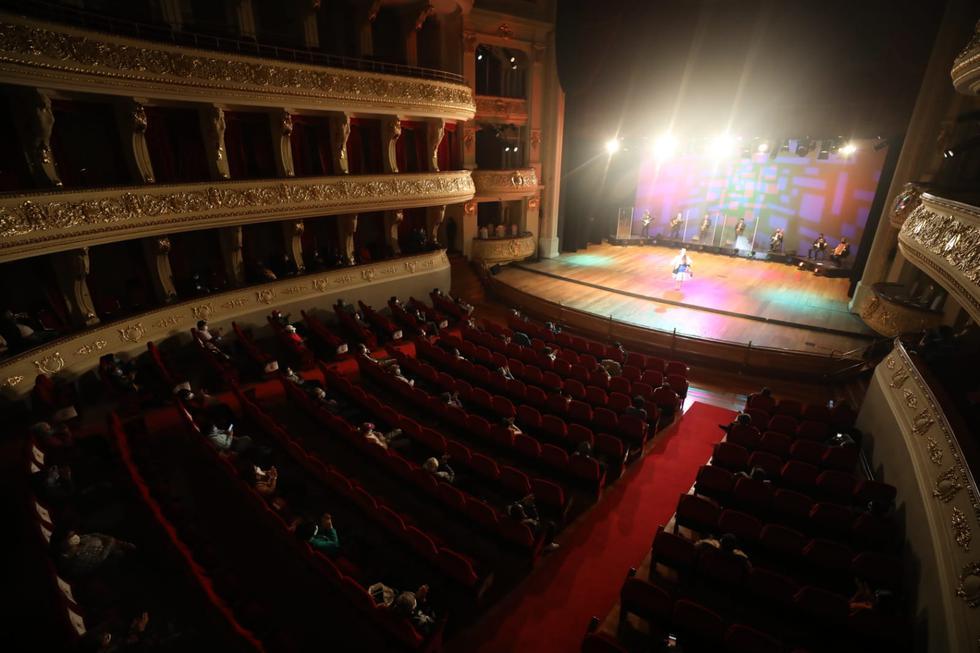 Con motivo del Día de la Canción Andina, la Municipalidad de Lima realizó el primer concierto presencial en el Teatro Municipal, ubicado en el Jr. Ica, en Cercado, en medio de la pandemia del coronavirus (COVID-19), el cual cumplió con todos los protocolos de bioseguridad a fin de evitar contagios. (Foto: Britanie Arroyo/@photo.gec)