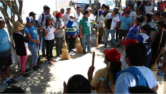 Atienden inundación en el centro de Pacasmayo