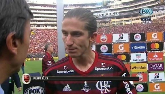 Filipe Luis se quejó en vivo del campo del estadio Monumental tras ganar la Copa Libertadores (VIDEO)