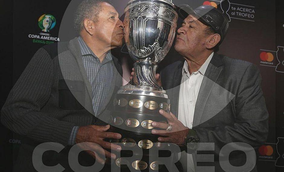 Copa América: 'Chumpi' y 'cholo' Sotil se reencuentran con el trofeo logrado en 1975