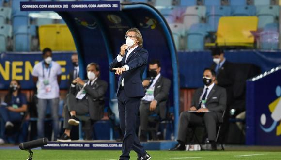 Perú venció por 2-1 a Colombia y sumó sus tres primeros puntos en la Copa América 2021. (Foto: AFP)