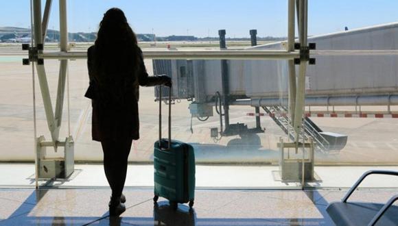 Aerolínea quiso impedir que mujer tomara su vuelo por vestir ropa 'inadecuada'