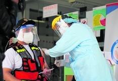 Unos 56 bomberos de Huancayo recibieron la  primera dosis de las vacunas Sinopharm