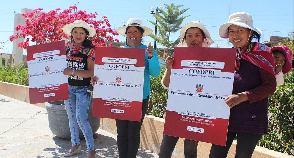 Entrega de títulos de propiedad benefició a 10 millones de personas en todo el Perú