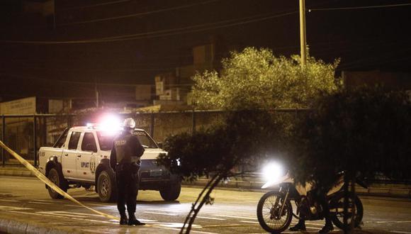 El menor perdió el control de su bicicleta y cayó  sobre la pista de la avenida Néstor Gambeta. El chofer del bus permanece en la comisaria de Ventanilla. (Foto: GEC)