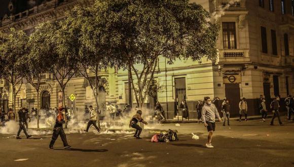 Colegio Médico brindó recomendaciones a los asistentes a protestas Foto: EFE/Aldair Mejía