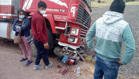 Motociclista quedó herido tras ser embestido por un camión en la vía Juliaca-Arequipa