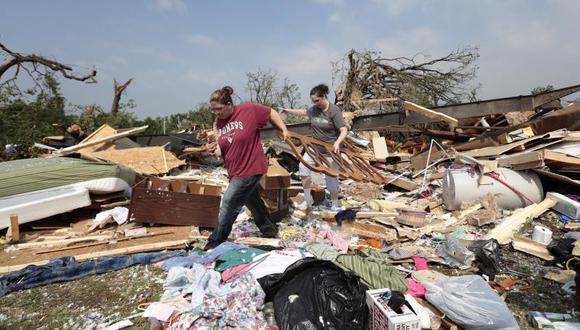 Corrigen la cifra de muertos por tornado en Oklahoma