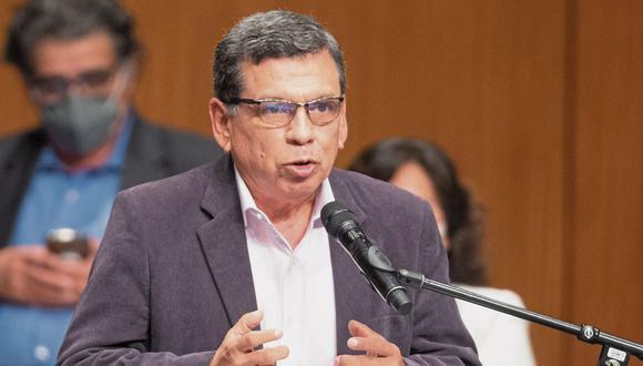 """El titular del Ministerio de Salud (Minsa) consideró que el fallecimiento de Abimael Guzmán obliga al Gobierno a """"trabajar las causas objetivas que generan el terrorismo"""" y a aplicar una estrategia para evitar que este fenómeno se produzca nuevamente en el Perú. (Foto: El Comercio)"""