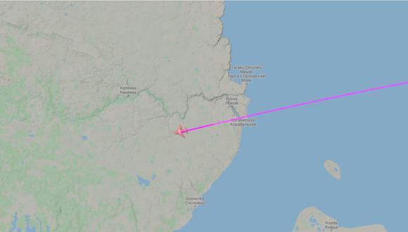Avión con 700 mil dosis de la vacuna de Sinopharm se dirigen primero a Ámsterdam antes de llegar a Perú. | Foto: Captura de pantalla.