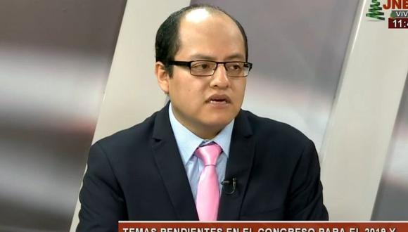 Candidato al Congreso Víctor Quijada es acusado de acosar menores.