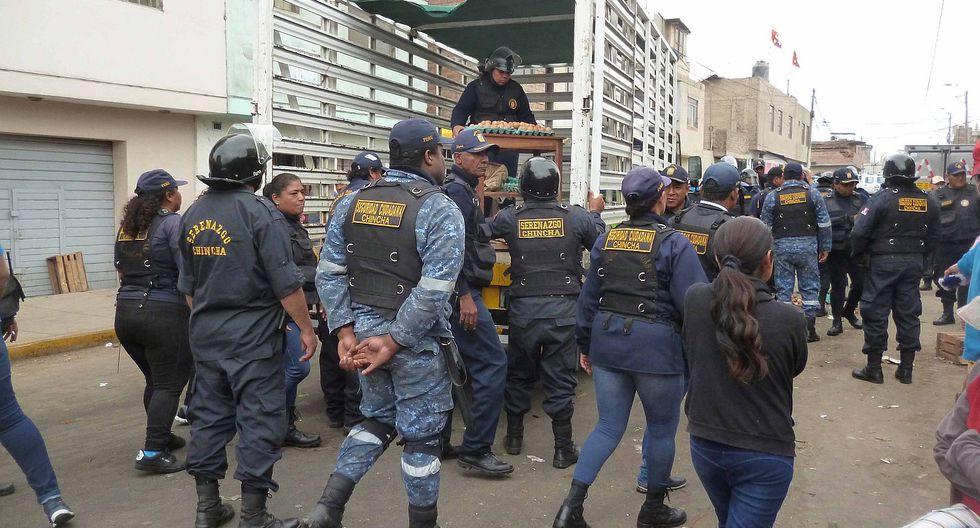 Vendedores ambulantes se resisten a dejar cercado de Chincha