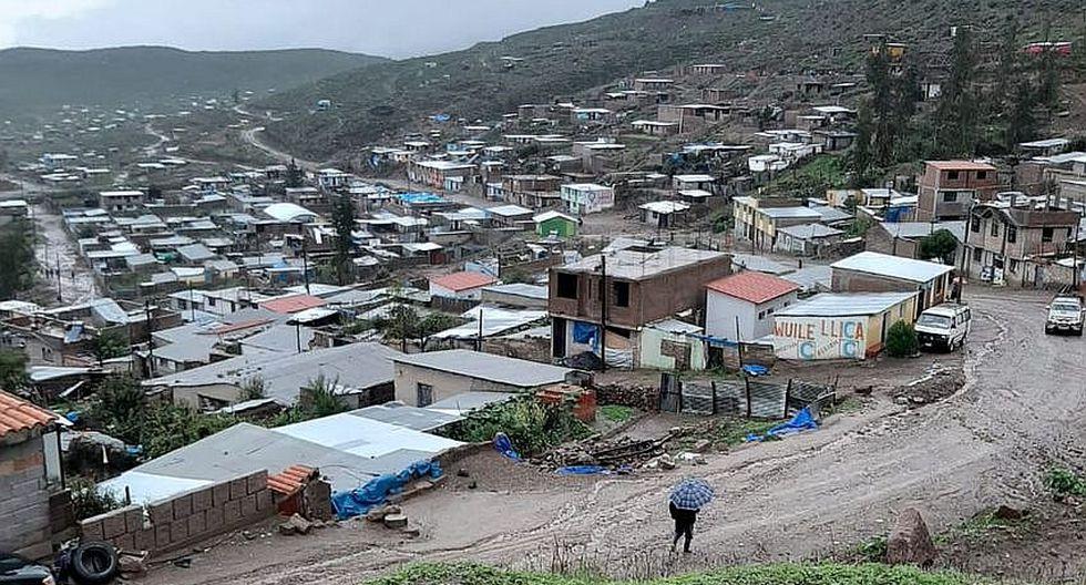 Huayco en Chuquibamba causa daños materiales