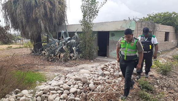 Hallan cadáver de mujer en casa abandonada de Camaná