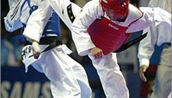 Arequipeños ganan oro y plata en tae kwon do