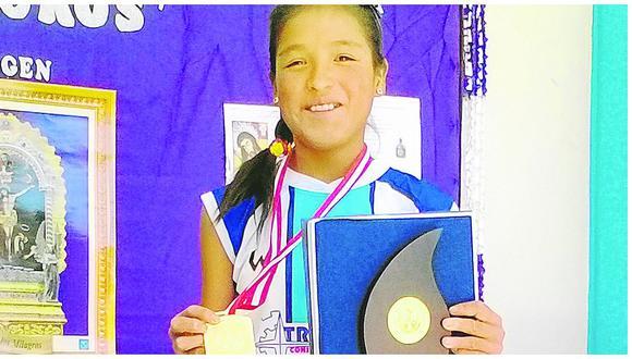 Niña de 13 años trae medalla de oro en carrera pedestre