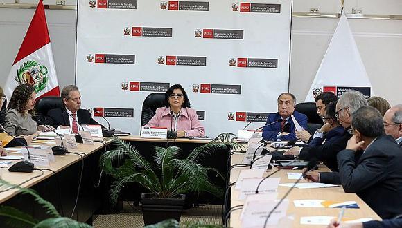 Plan de competitividad y propuesta de empleo juvenil se presentan a empresarios y trabajadores