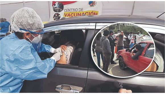 """Ancianos que llegaron en vehículos particulares para ser inoculados denunciaron """"discriminación""""."""