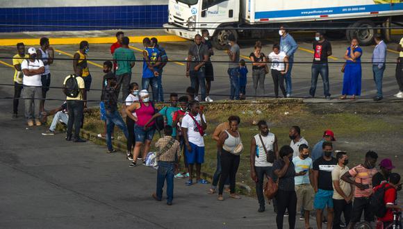 El nuevo flujo migratorio de haitianos hacia Estados Unidos parece ser alentado por amigos y familiares que les cuentan sobre los beneficios de vivir en el norte. (Foto: CLAUDIO CRUZ / AFP)