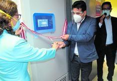 Fortalecen la cadena de frío en Tarma para trasladar vacunas Pfizer y vacunar ancianos