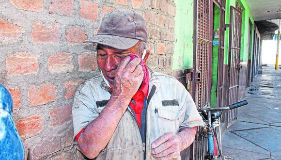 A sus 83 años, se gana la vida trabajando en un taller de planchado y pintura, donde le pagan unas propinas con las que debe subsistir. Por eso pide que lo ayuden a salir adelante.