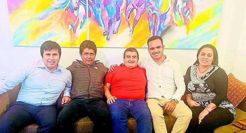 Alcaldes infringirían norma de neutralidad al reunirse con Humberto Acuña