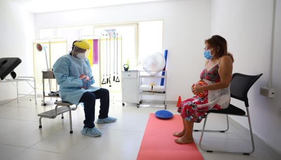 La Dra. Tanya Dedios, especialista en Neumología advierte sobre la importancia de tomar medidas de rehabilitación frente a secuelas del coronavirus.  (Foto: Municipalidad de San Isidro)