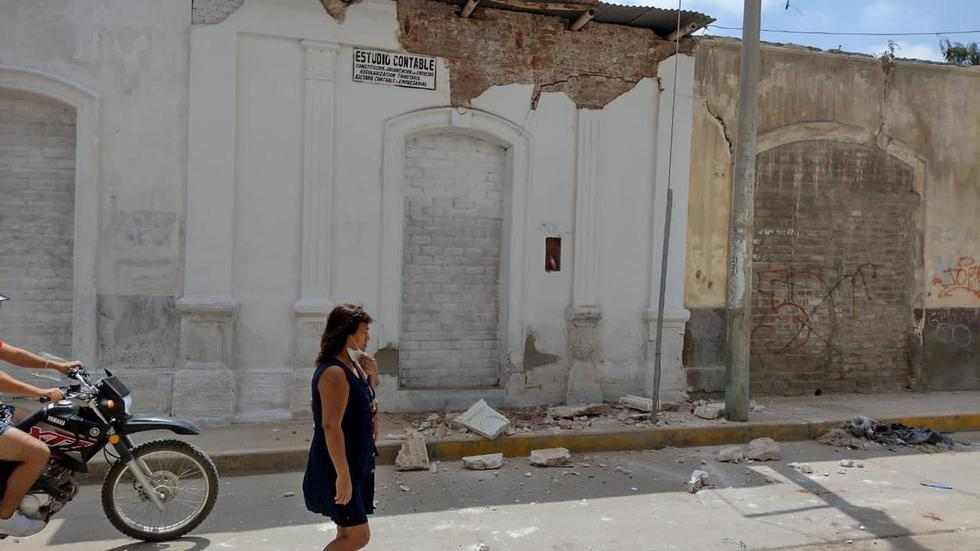 Producto del movimiento sísmico, viviendas antiguas de la ciudad fueron afectadas en su infraestructura. Fotos: Correo Piura