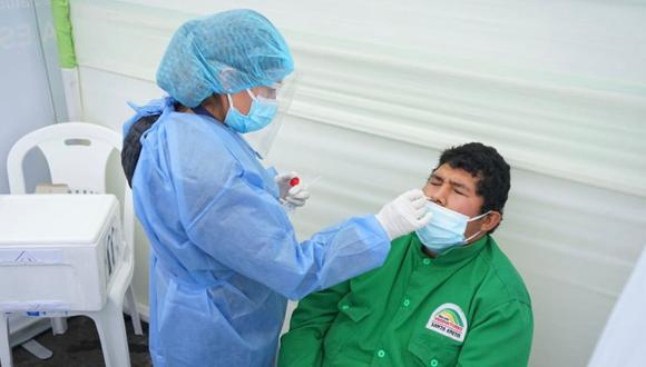 El Ministerio de Salud desarrolla pruebas moleculares en distintas parte del pais.  (Foto: Diris Lima Este)
