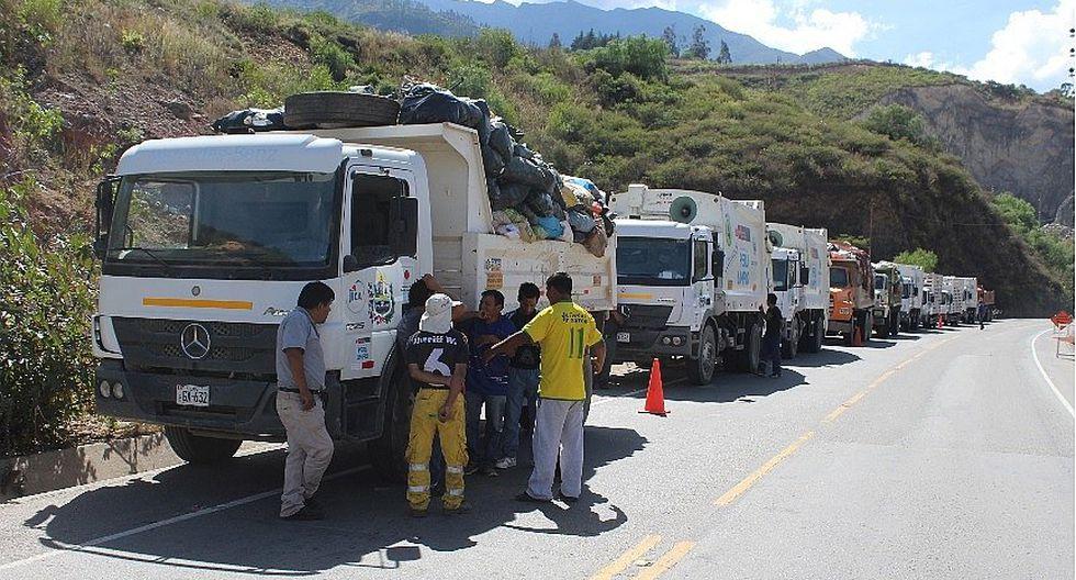 Pobladores bloquean acceso y exigen reubicación de botadero en Abancay