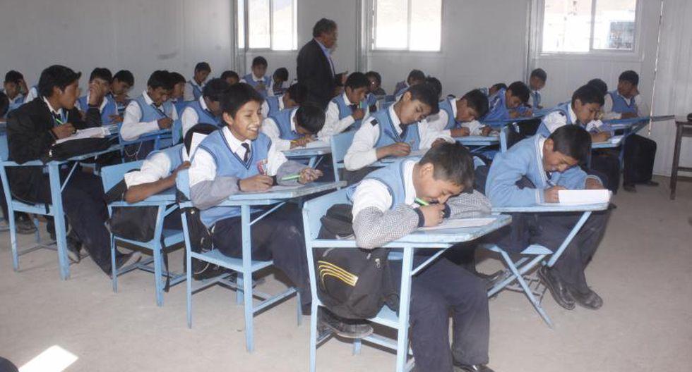 Sutep saluda el aumento de horas de clases escolares