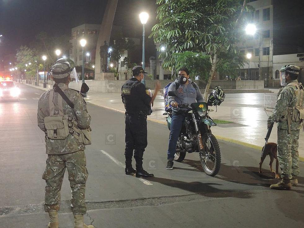 Policía y ejército refuerzan control durante toque de queda en Tacna