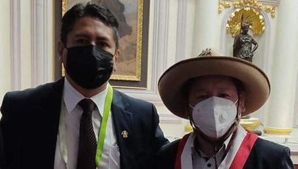 Vladimir Cerrón y Guido Bellido el día de la juramentación de Pedro Castillo en el Congreso. (Foto: Facebook Guido Bellido)