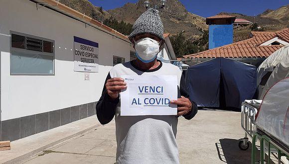 Profesor Saúl Fuentes Larrauri estuvo internado durante seis días en el nosocomio de EsSalud, luego de llegar pidiendo atención con síntomas de resfrío, el mismo que se complica por la diabetes que padece.