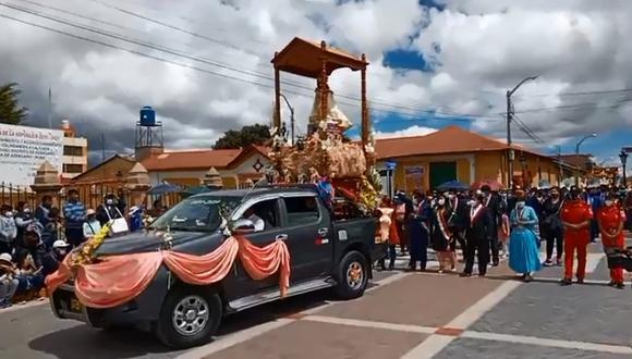 En la procesión participaron las principales autoridades de la provincia de Azángaro. (Foto: Difusión)