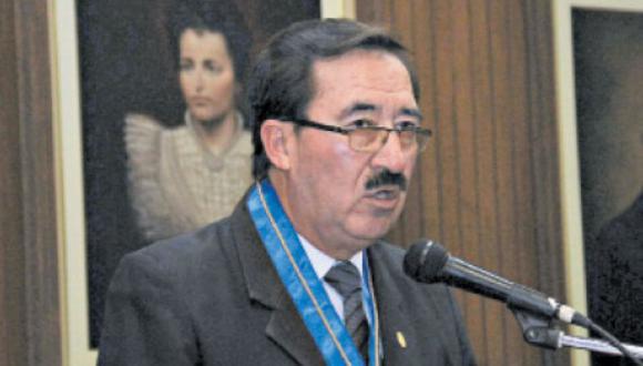 Secretario del AMPE cuestionó proyecto de Ley impulsada por partido de gobierno que amenaza la libertad de prensa de los diferentes medios de comunicación. (Foto: Difusión)