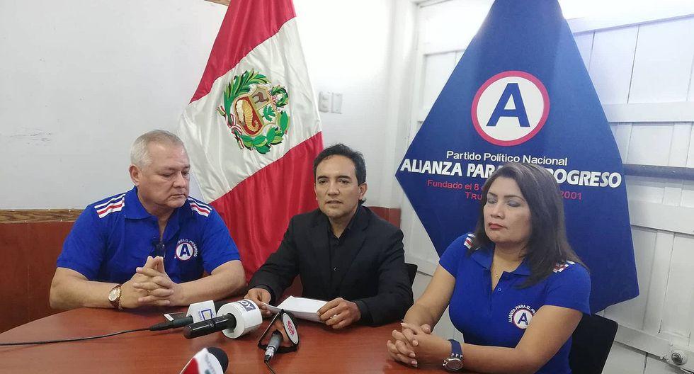 """Alcalde Valentín Fernández """"desiste"""" de su candidatura a la Municipalidad Provincial del Santa"""