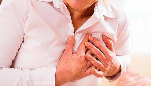 El cardiólogo, Tomas Gargurevich y la psicóloga Almudena Perez Tello indican los cuidados para este órgano desde sus tribunas.